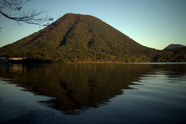 日がかげってきた頃の榛名富士