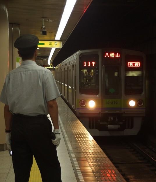 都営新宿線小川町駅3番線 都営10-270F各停八幡山行き進入