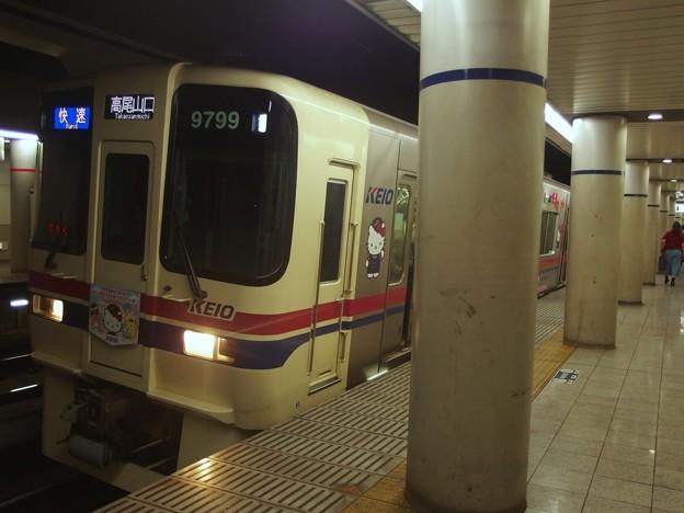 京王新線幡ヶ谷駅2番線 京王9049快速高尾山口行き