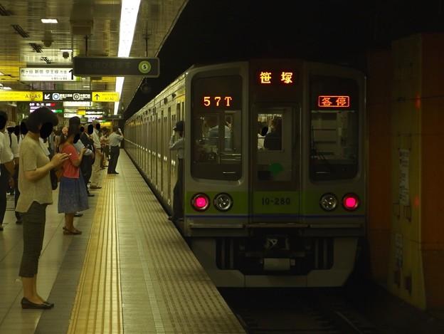 都営新宿線神保町駅1番線 都営10-280F各停笹塚行き前方確認