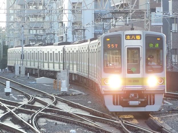 京王線笹塚駅3番線 都営10-280F快速本八幡行き進入