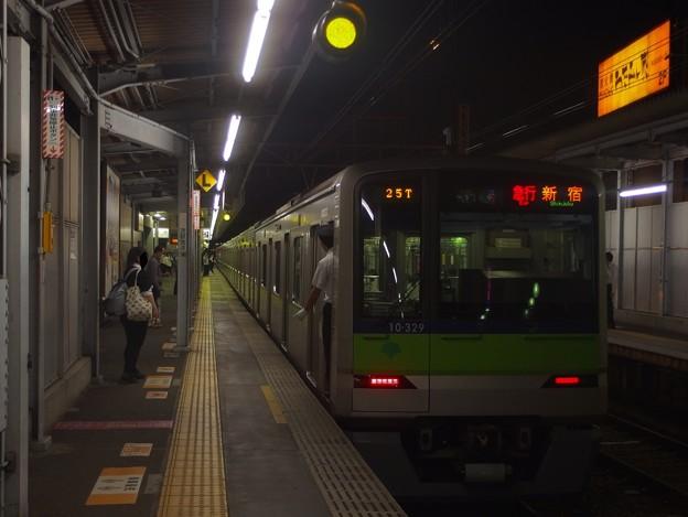 京王線明大前駅2番線 都営10-320F急行新線新宿行き停止位置よし