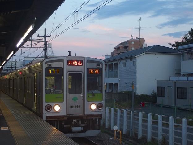 京王線桜上水駅1番線 都営10-260F各停八幡山行き