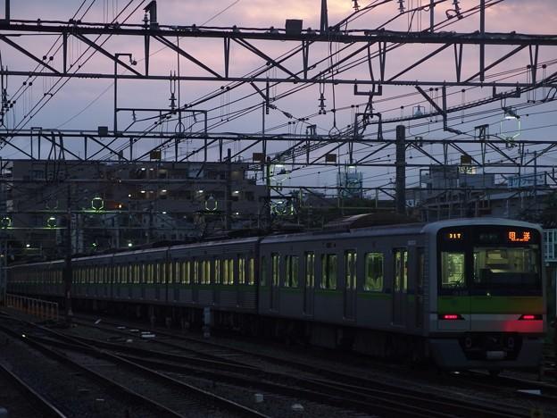 京王線桜上水駅 都営10-330F構内留置