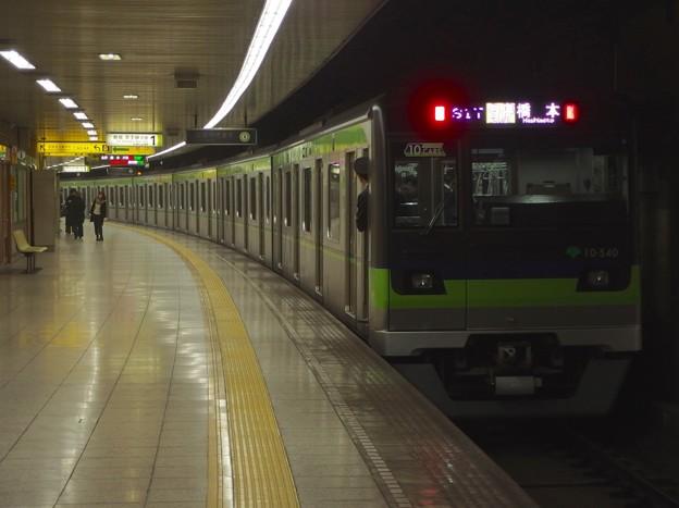 都営新宿線曙橋駅1番線 都営10-540F各停橋本行き前方確認