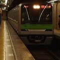 都営新宿線岩本町駅3番線 都営10-420F各停本八幡行き進入