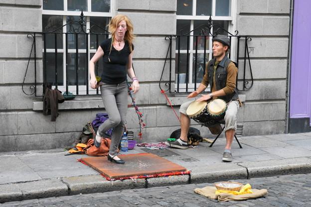 街角でタップダンス