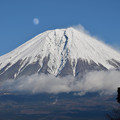 写真: 月と富士