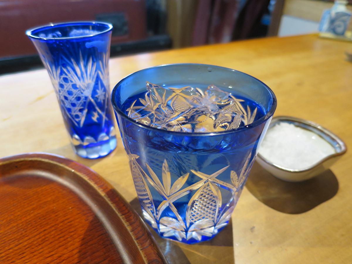 切り子のグラス