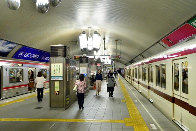 2016_0911_1718_03 御堂筋線淀屋橋駅