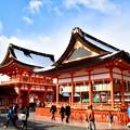 Photos: 2017_0115_142401 伏見稲荷楼門・外拝殿雪化粧