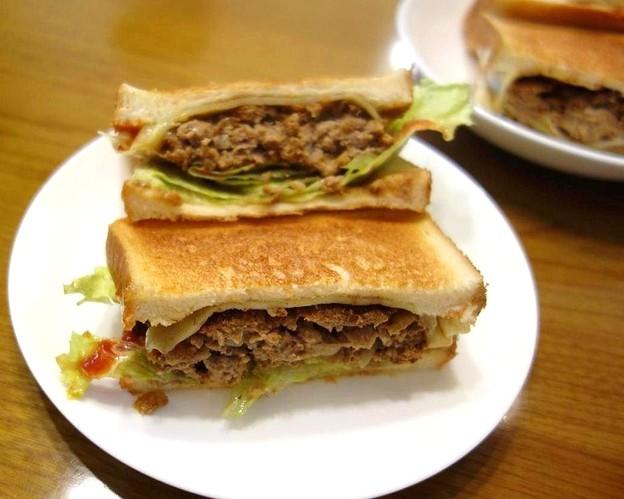 ハンバーグ・サンド