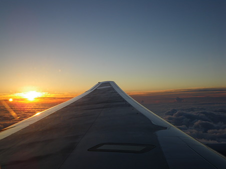太陽を後に