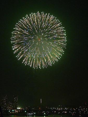 100801-横浜花火3 (528)