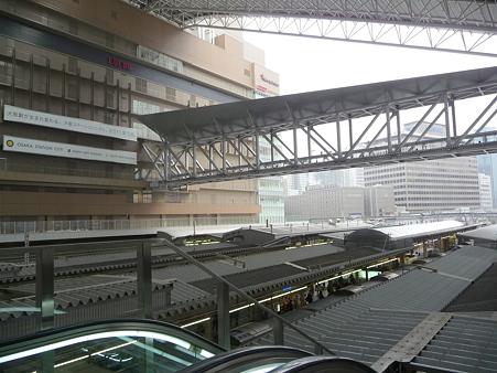 101113-大阪駅 (8)