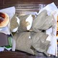 写真: 団子、柏餅 栗饅頭、水羊羹