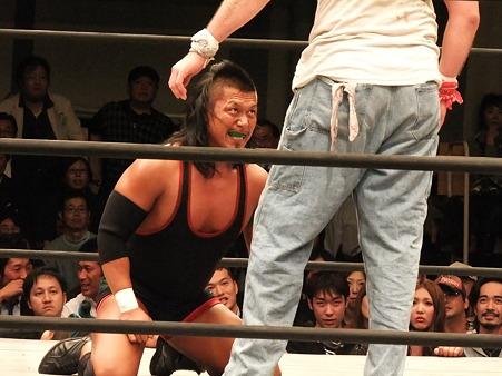 ドラゴンゲート 鷹木信悟vsブロディ・リー 20111012 (5)