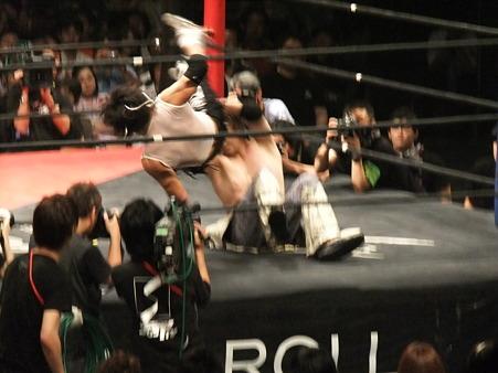 DDT 両国ピーターパン2011 〜二度あることは三度ある〜 MIKAMIvsポイズン澤田JULIE (5)