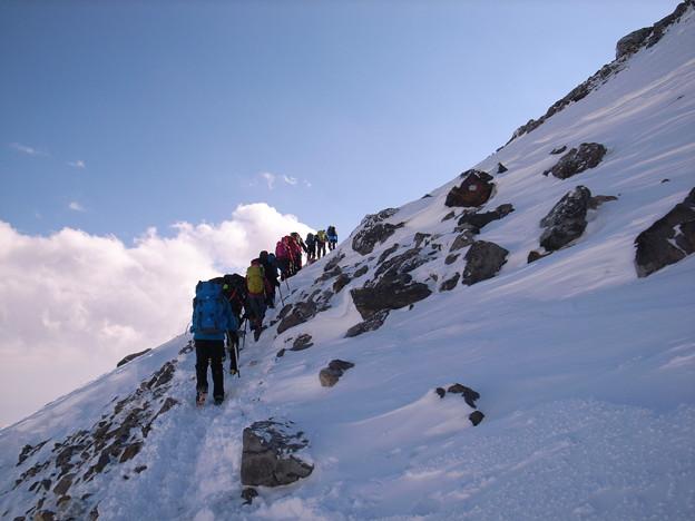 日本の山 雪山講習会 那須茶臼岳 どんどん展望が良くなります。