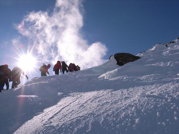 日本の山 雪山講習会 那須茶臼岳 急登を越えるとあど少しで頂上です。