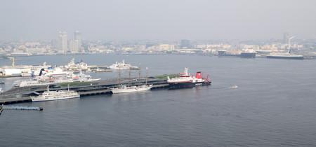 マリンタワーより横浜港を望む -10