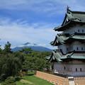 Photos: 弘前城と岩木山