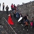 写真: 赤いドレス