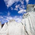 仏ヶ浦 巨岩と青空