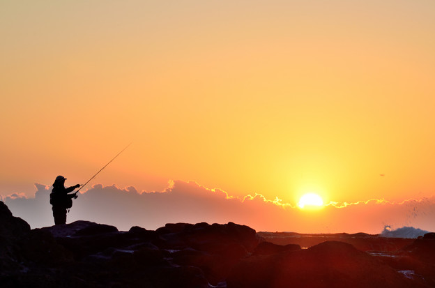 釣り人と日の出