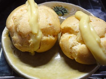 マンゴーシュークリーム