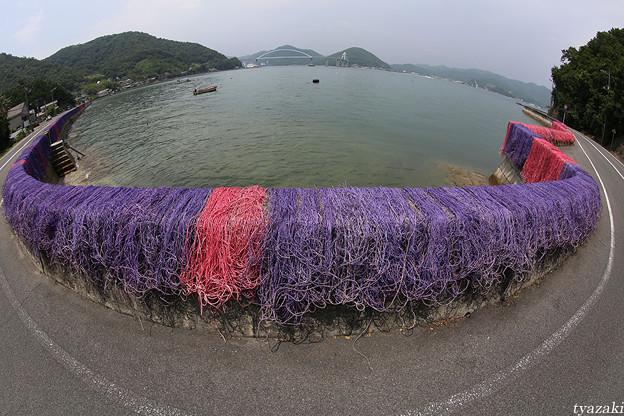 瀬戸内海の赤い漁網1