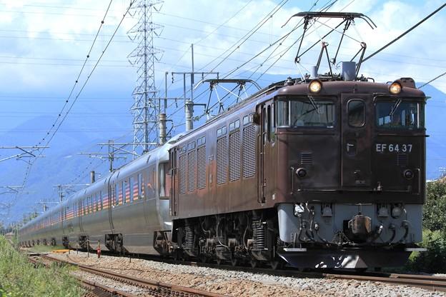 9022レ EF64 37+E26系 12両