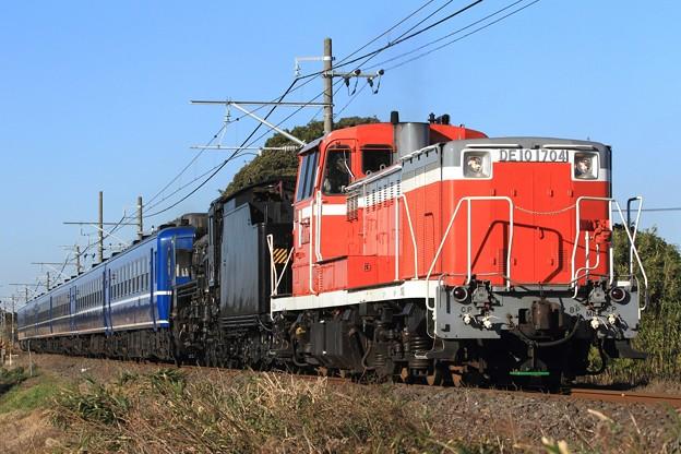 配9123レ DE10 1704+D51 498+12系 5両+オヤ12-1