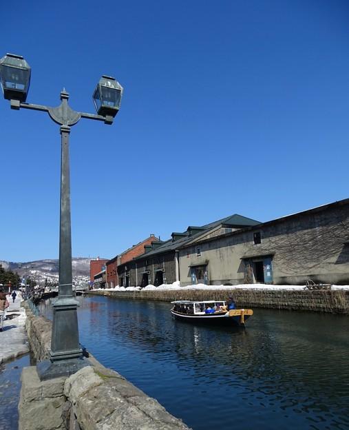 写真: 運河にて