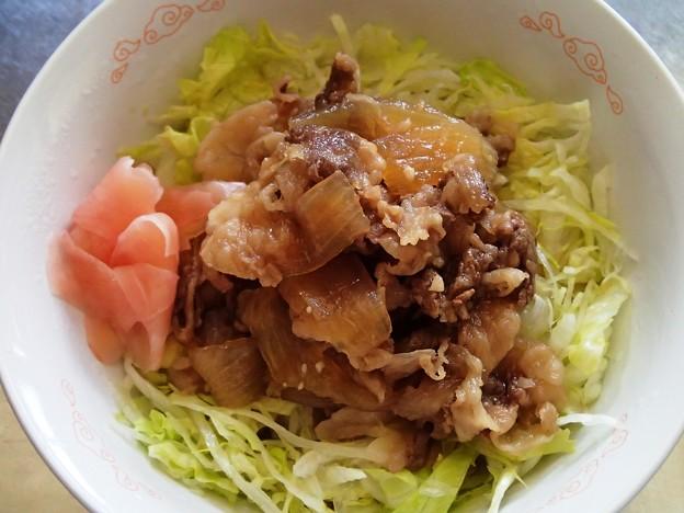 写真: 自家製牛丼