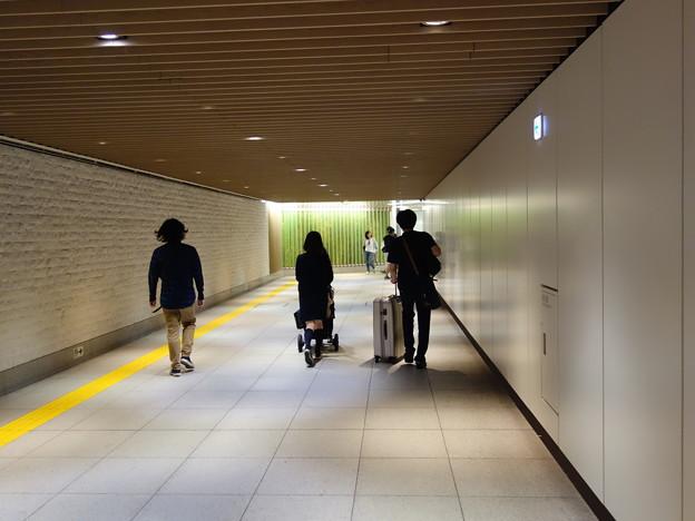 東京ミッドタウンへの地下通路 (港区赤坂)