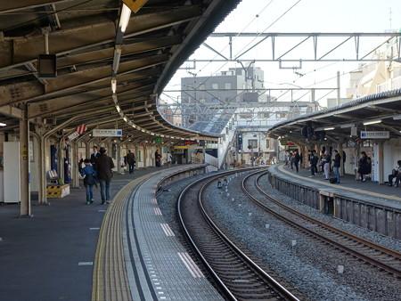 西武新宿線新井薬師寺駅 (中野区上高田)