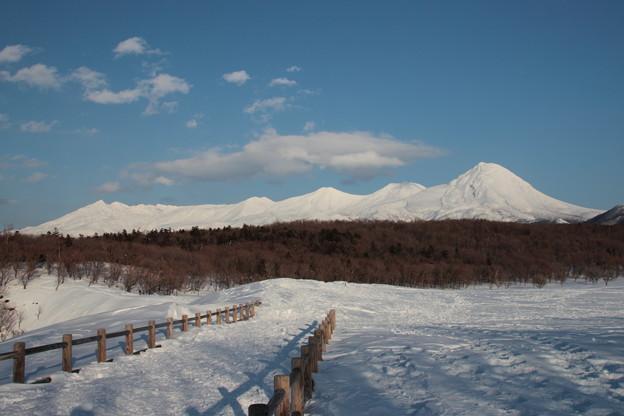 白い山並み