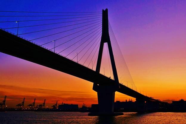 鶴見つばさ橋。