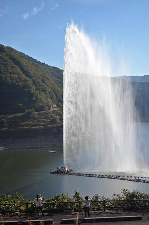 161016寒河江ダムの噴水03