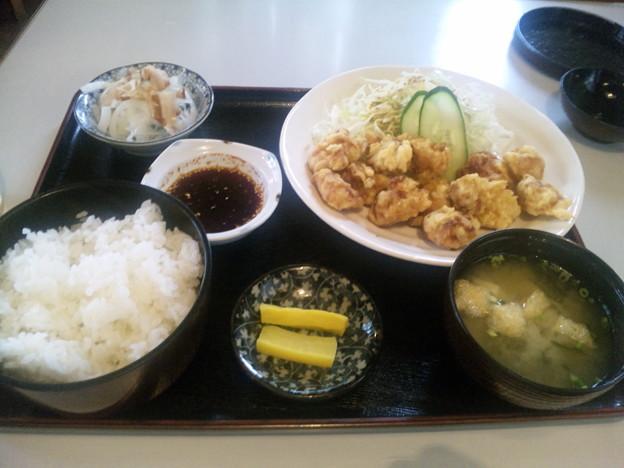 Photos: 今日のお昼ご飯は、大分市東春日町の「美味なかよし」のとり天定食。...