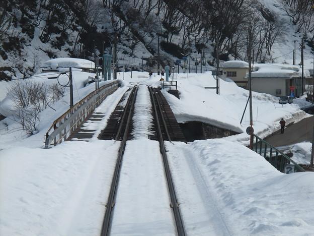 写真: 大糸線キハ52-156後方車窓22