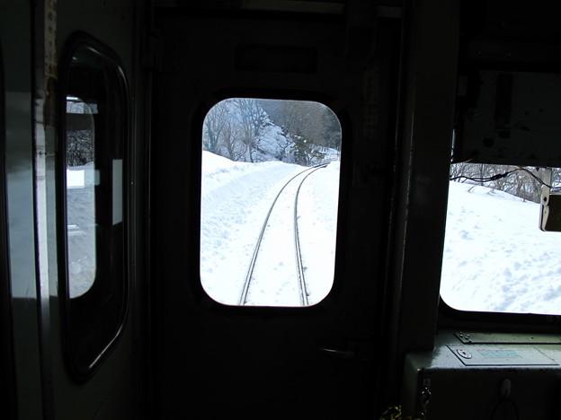 写真: 大糸線キハ52-156後方車窓30