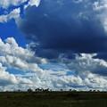 写真: 急に黒雲が現れて!