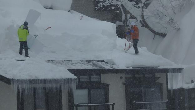 写真: 雪おろし