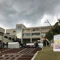 写真: 雨の学園祭