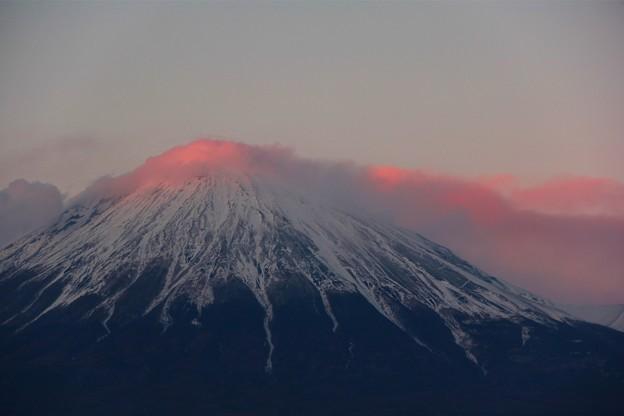 Photos: 2月14日富士宮市からの夕方富士山~ バレンタインデーにふさわしく?いろっぽい感じの?夕焼け富士山でした(^ ^)