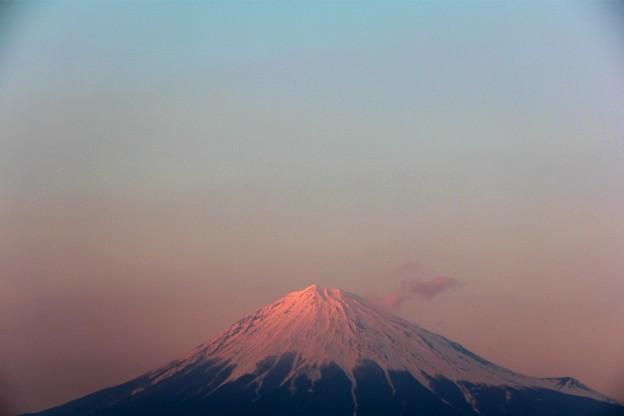 Photos: 3月19日富士宮市からの夕方富士山~ 霞桃富士?がいい感じでした(^ ^)