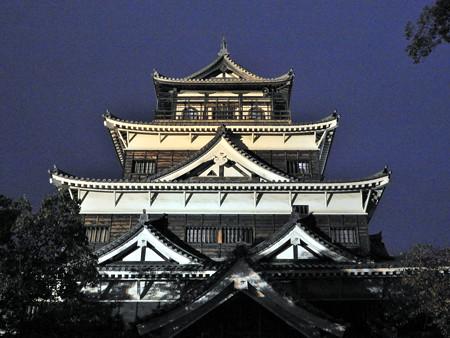 広島城ライトアップ13 第2層千鳥破風、第3層比翼千鳥破風