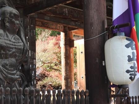 石山寺127 帰りの参道7